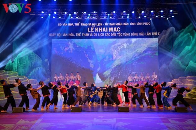 Eröffnung des Festivals der Kultur, des Sports und des Tourismus der verschiedenen Volksgruppen im Nordosten Vietnams - ảnh 5