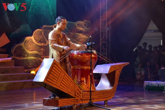 Eröffnung des Festivals der Kultur, des Sports und des Tourismus der verschiedenen Volksgruppen im Nordosten Vietnams - ảnh 7