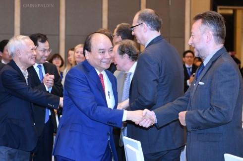 Premierminister Nguyen Xuan Phuc nimmt am Forum für Reform und Entwicklung in Vietnam teil - ảnh 1