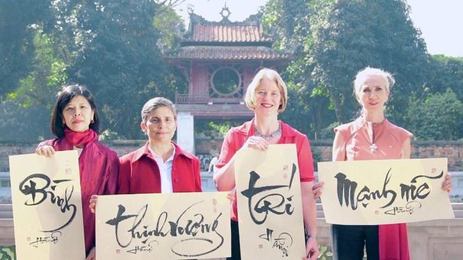 Botschafterinnen der Länder schicken Glückwunschtelegramme zum vietnamesischen Tetfest - ảnh 1