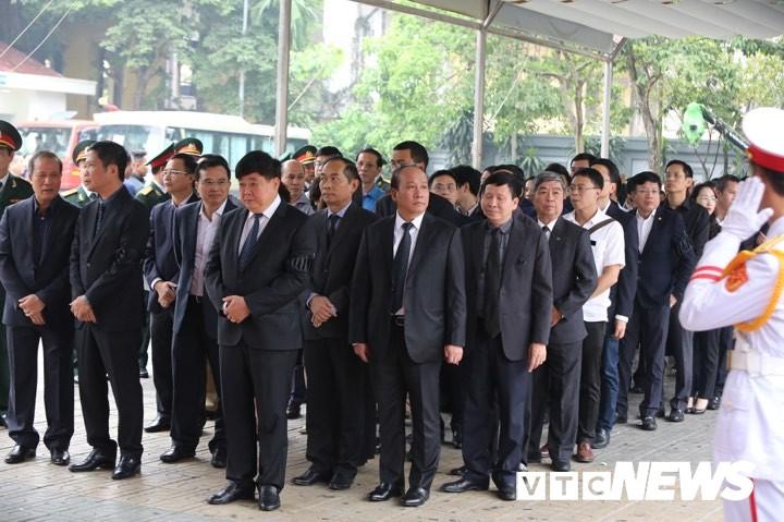VOV-Leiter sind bei Trauerfeier von ehemaligen Staatspräsidenten Le Duc Anh - ảnh 1