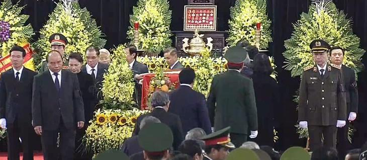 Spitzenpolitiker der Länder schicken Beileidstelegramme zum Tod von Le Duc Anh - ảnh 1