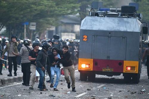 Mehrere Tote und Verletztebei Demonstration gegenWahlergebnisse in Jakarta - ảnh 1