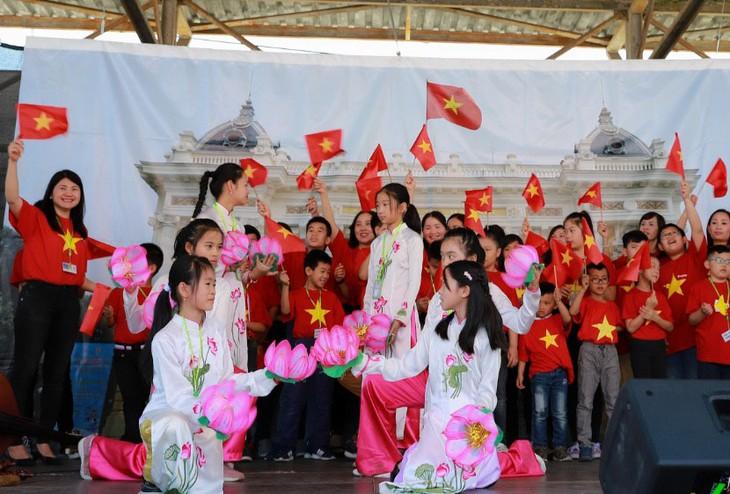 Kulturfestival zwischen Vietnam und Tschechien in Pilsen - ảnh 1