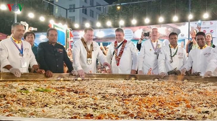 Mehrals 10.000 Besucher beim kulinarischen Festival in Danang - ảnh 1
