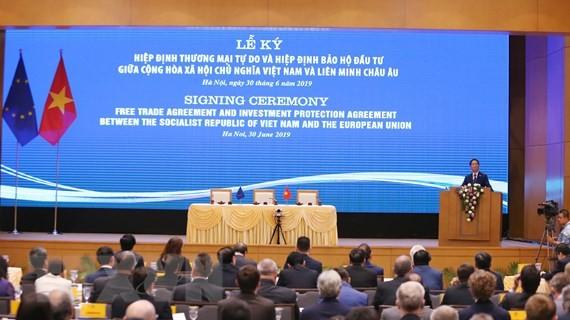 Vietnam und EU unterzeichnen EVFTA und EVIPA - ảnh 1