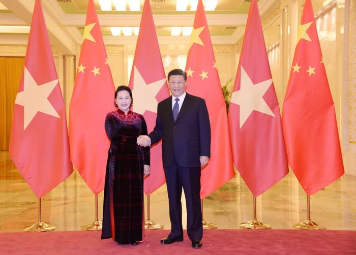 Parlamentspräsidentin Nguyen Thi Kim Ngan trifft Chinas KP-Generalsekretär, Staatspräsident Xi Jinping - ảnh 1