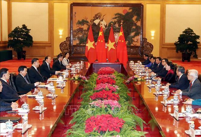 Chinesische Spitzenpolitiker sprachen sich für enge Beziehungen mit Vietnam aus - ảnh 1
