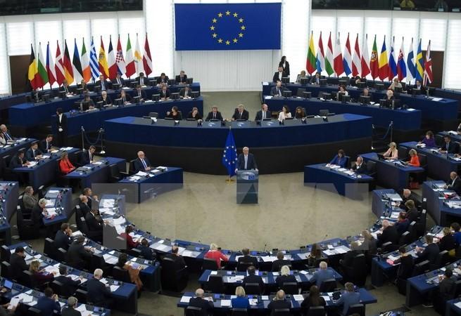 EC ຮຽກຮ້ອງເຈລະຈາແກ້ໄຂສະພາບການຢູ່ Catalunya - ảnh 1