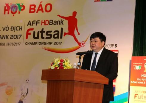 ຜູ້ອຳນວຍການໃຫຍ່VOVເຂົ້າຮ່ວມກອງປະຊຸມຂ່າວກ່ຽວກັບງານແຂ່ງຂັນເຕະບານໃນຮົ່ມ Futsal ອາຊີຕາເວັນອອກສ່ຽງໃຕ້ - ảnh 1