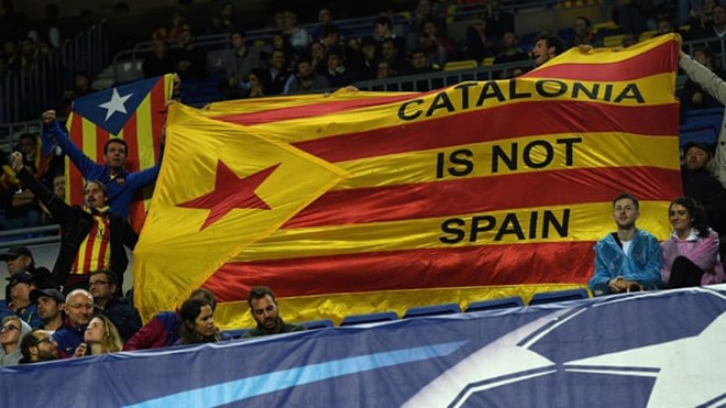 ຜູ້ພິພາກສາ ແອັດສະປາຍ ອອກຄຳສັ່ງຈັບຕົວບັນດາສະມາຊິກອຳນາດການປົກຄອງຖືກຍຸບເລີກເຂດ Catalonia - ảnh 1
