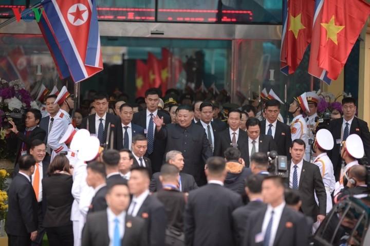 KCNA ໃຫ້ຂ່າວກ່ຽວກັບການຢ້ຽມຢາມຫວຽດນາມຂອງການນຳ Kim Jong un - ảnh 1