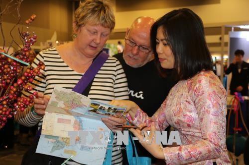 캐나다 오타와 관광전람회에서 베트남 자취 - ảnh 2