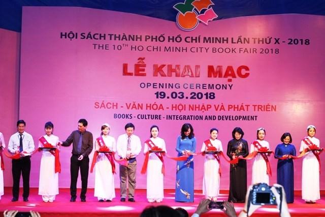 2018년 제10차 Ho Chi Minh 시 도서 전시회 개막 - ảnh 1