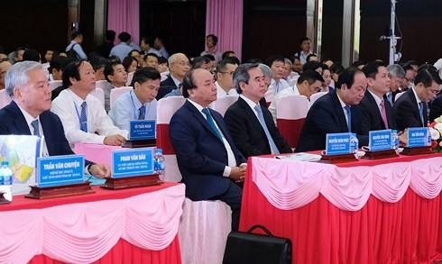 Nguyen Xuan Phuc국무총리; 앞으로 Soc Trang성은 매력적인 투자 유치지역이 될 것 - ảnh 1