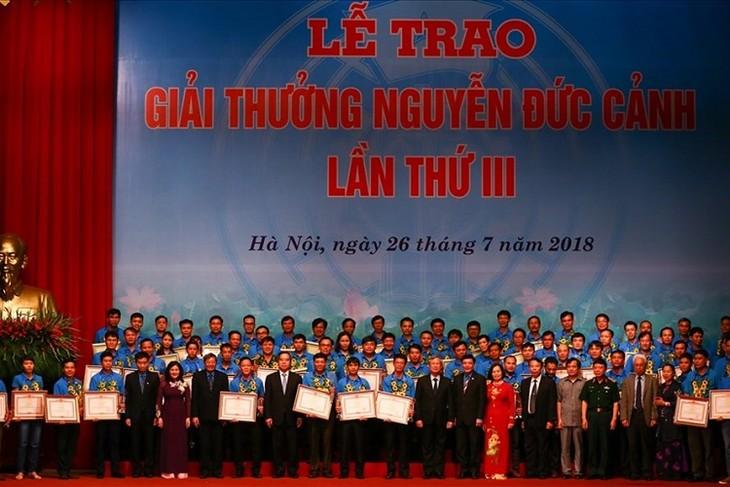 제3회 Nguyen Duc Canh상; 우수한 노동자들에 값진 보상 - ảnh 1