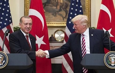 식을 줄 모르는 미국 - 터키 긴장 - ảnh 1