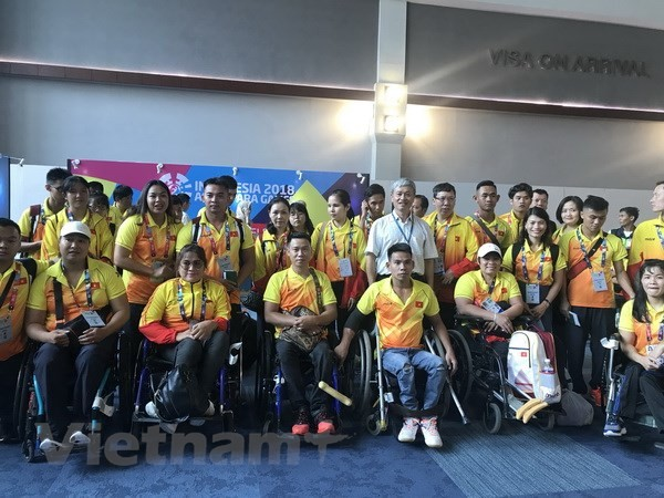 아시아 장애인 아시아 경기대회: 베트남 장애인 체육 대표단 인도네시아로 출발 - ảnh 1