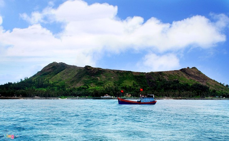 Amazing geological heritage in Ly Son island - ảnh 1