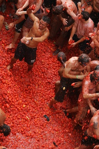 The Tomatina Tomato-throwing Festival of the Spanish   - ảnh 2