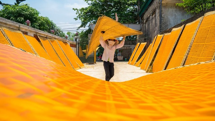 Photo exhibition featuring memories of Hanoi  - ảnh 15