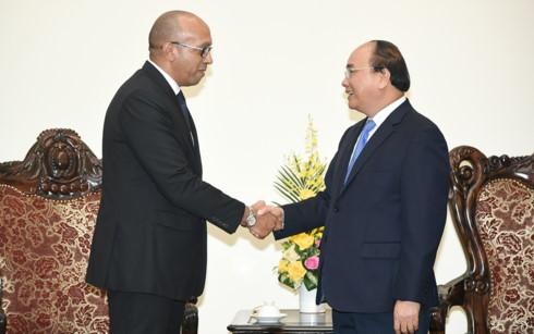 Premier vietnamita recibe al embajador saliente de Cuba - ảnh 1