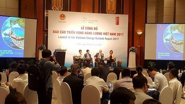 Publican informe de perspectivas energéticas de Vietnam 2017 - ảnh 1