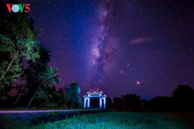 Momentos bellos de la antigua ciudad imperial de Hue - ảnh 17