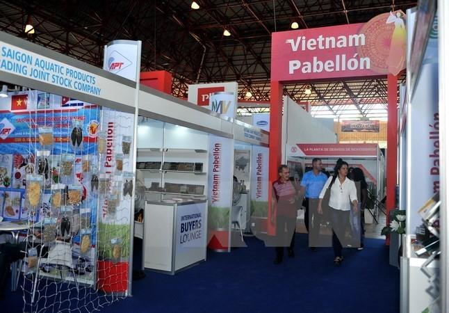 Presentan productos vietnamitas en La Habana - ảnh 1