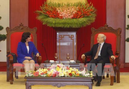 Líder partidista vietnamita recibe a nueva embajadora de Cuba - ảnh 1