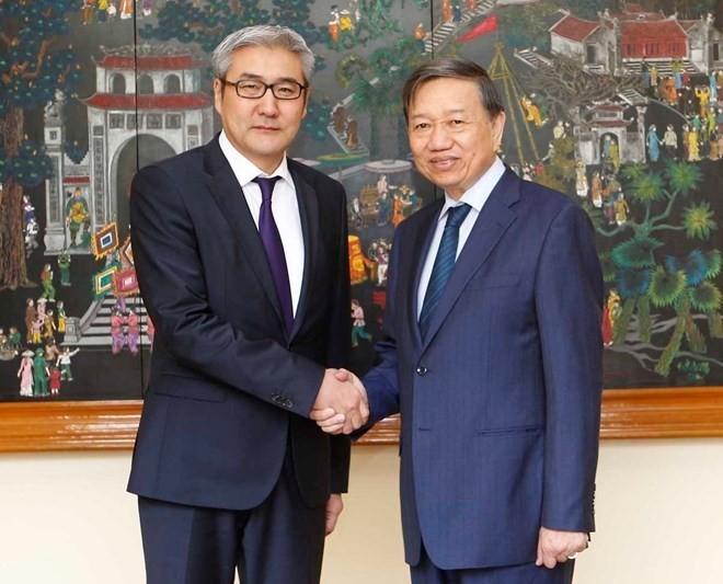Vietnam y Mongolia cooperan en lucha contra crímenes - ảnh 1