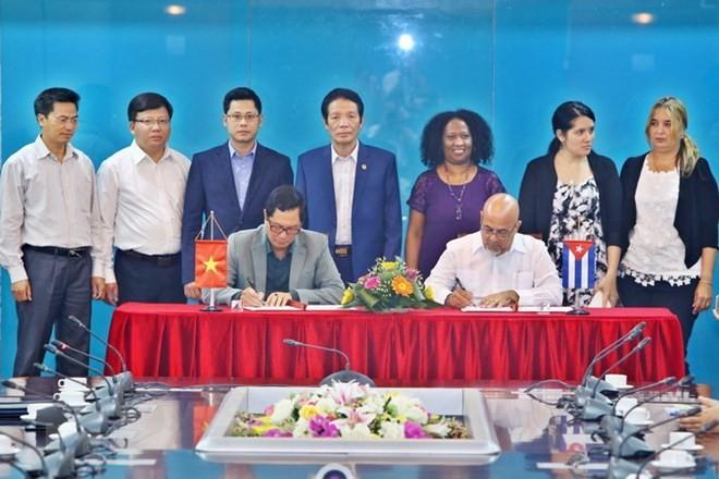 Vietnam y Cuba estrechan cooperación en sector de publicación - ảnh 1