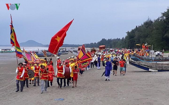 Tradicional festival de la casa comunal de Tra Co - ảnh 2