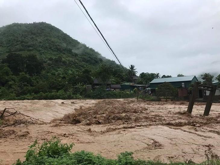 Provincias norvietnamitas superan consecuencias de fuertes lluvias - ảnh 1