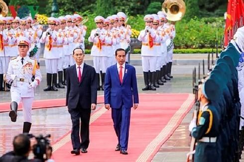 Presidente de Indonesia concluye visita estatal a Vietnam - ảnh 1