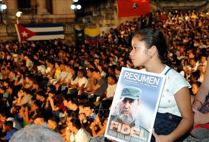 Conmemoran en Cuba aniversario luctuoso de Fidel Castro - ảnh 1