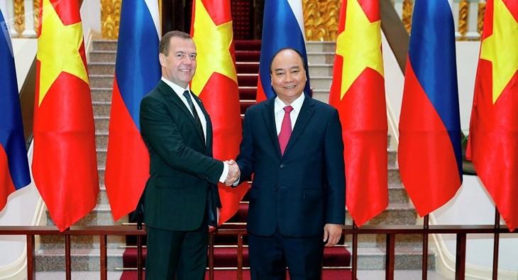Eruditos rusos valoran altamente visita oficial del premier vietnamita a Rusia - ảnh 1