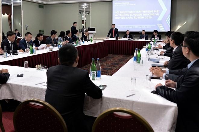 Efectúan conferencia de consejeros comerciales de Vietnam en Europa - ảnh 1