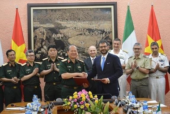 Celebran tercer Diálogo de Políticas de Defensa Vietnam-Italia - ảnh 1