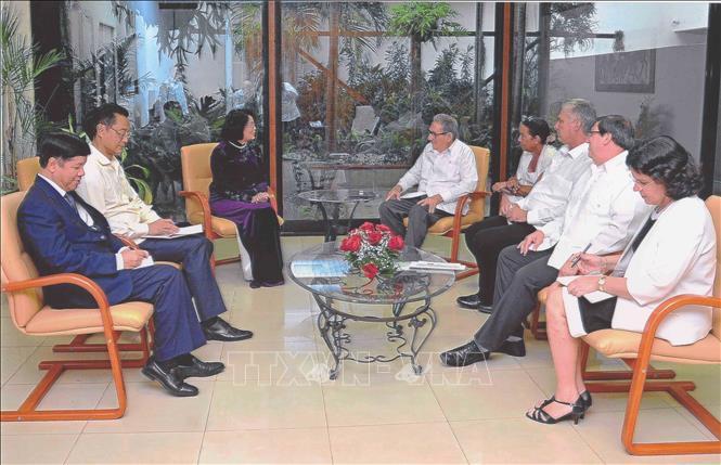 Vicepresidenta vietnamita se reúne con altos dirigentes de Cuba - ảnh 1