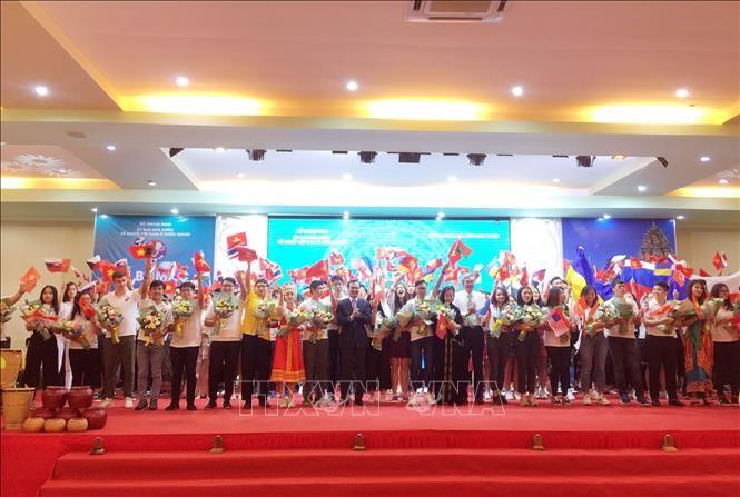 Concluye Campamento Veraniego de Vietnam para jóvenes residentes en el exterior - ảnh 1