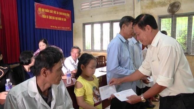 Tien Giang ayuda a mejorar la vida de víctimas del agente naranja - ảnh 1