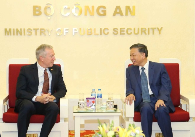 Ministro de Seguridad Pública de Vietnam recibe a representante de Google - ảnh 1