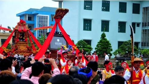 Phu Xuyen prima desarrollar gremios para cumplir programa de nuevo campo - ảnh 3