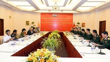 Vietnam y la India afianzan cooperación en defensa - ảnh 1