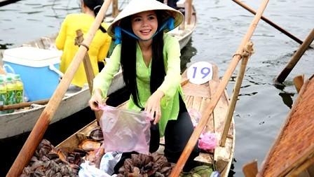 Mercado flotante de Cochinchina en el seno de la capital - ảnh 3