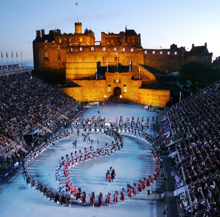 Scottish Royal Military Tattoo – iconic and spectacular - ảnh 2