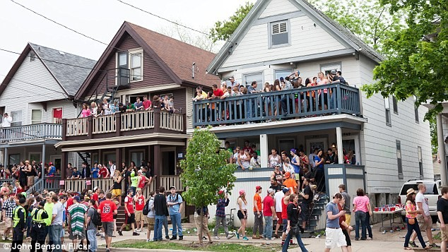 American college parties and drinking culture - ảnh 1