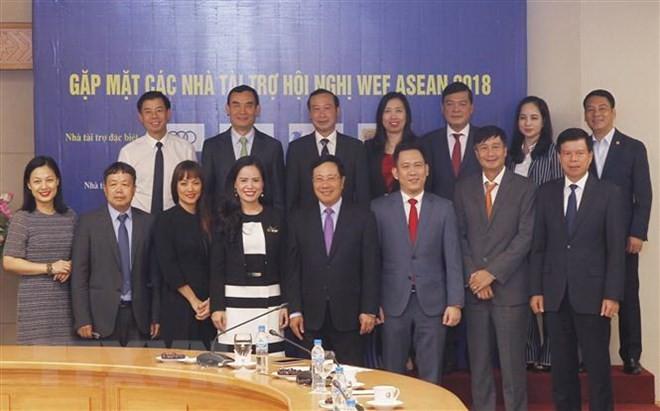 Deputy PM meets WEF ASEAN 2018 sponsors - ảnh 1