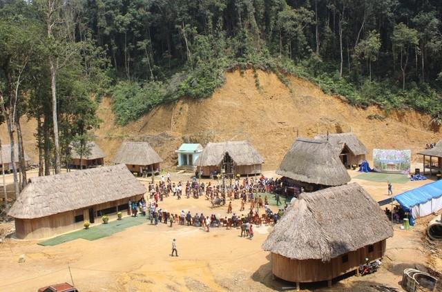 Co Tu사람들의 삼림감사축제 - ảnh 4